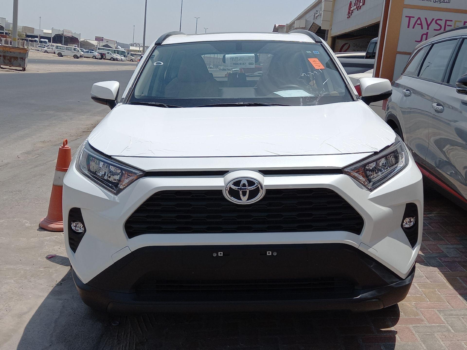 تويوتا راف فور 4WD XLE فل  2021 دبل سعودي جديد للبيع في الدمام - السعودية - صورة كبيرة - 5