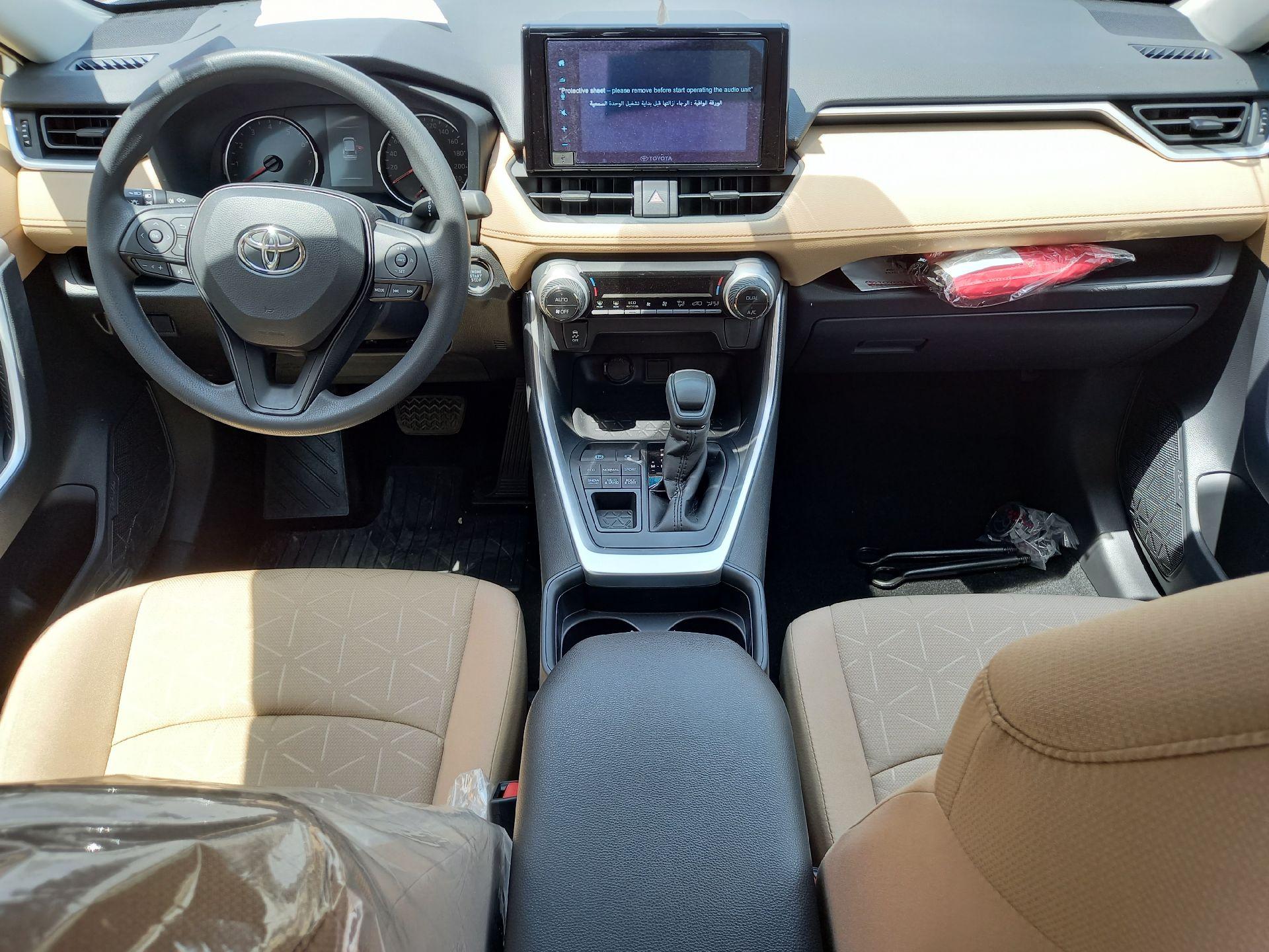 تويوتا راف فور 4WD XLE فل  2021 دبل سعودي جديد للبيع في الدمام - السعودية - صورة كبيرة - 9