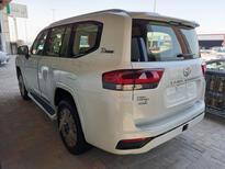 تويوتا لاندكروزر GXR3 فل  2022 دبل سعودي جديد للبيع في الدمام - السعودية - صورة صغيرة - 3