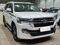 تويوتا لاندكروزر GXR قراند تورنق 2021 بريمي فل للبيع في الرياض - السعودية - صورة صغيرة - 4
