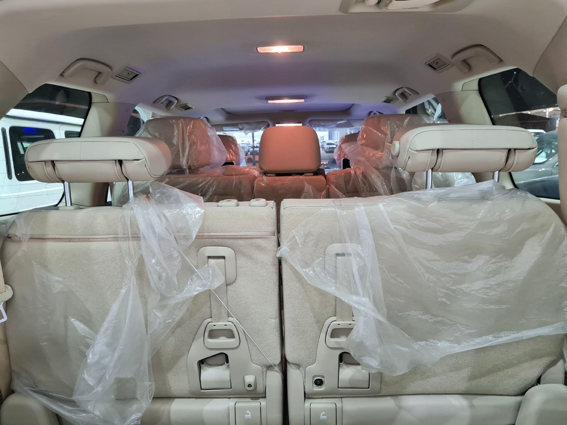 تويوتا لاندكروزر GXR قراند تورنق 2021 بريمي فل للبيع في الرياض - السعودية - صورة كبيرة - 7
