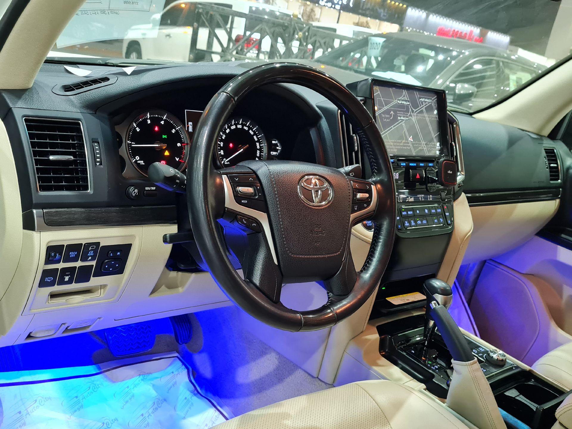 تويوتا لاندكروزر GXR قراند تورنق 2021 بريمي فل للبيع في الرياض - السعودية - صورة كبيرة - 16