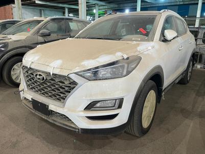 سيارة هونداي توسان Mid نص فل 2021  سعودي جديد للبيع