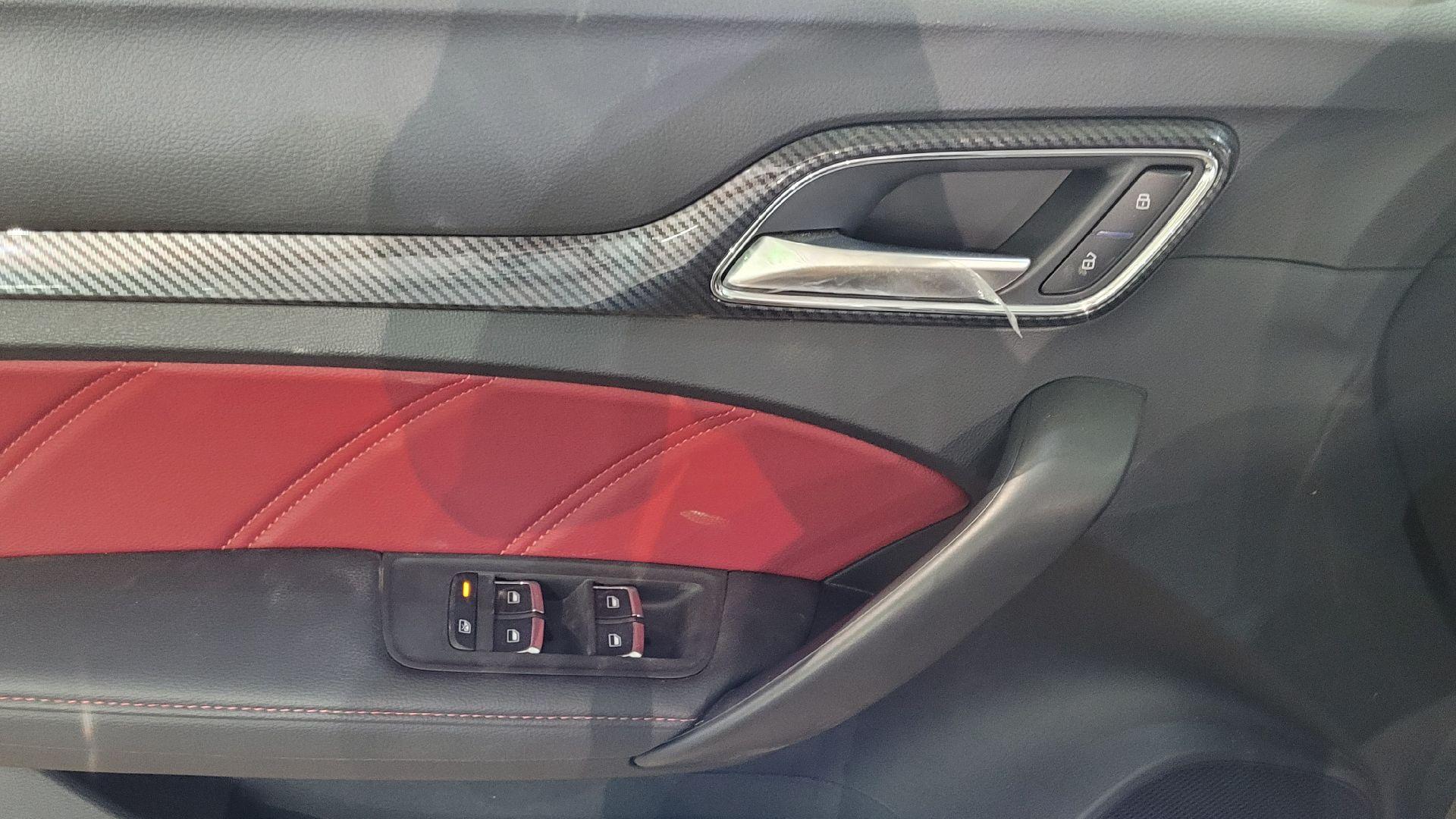مباع - MG 6فل  LUX سعودي 2021 جديد للبيع في الرياض - السعودية - صورة كبيرة - 10