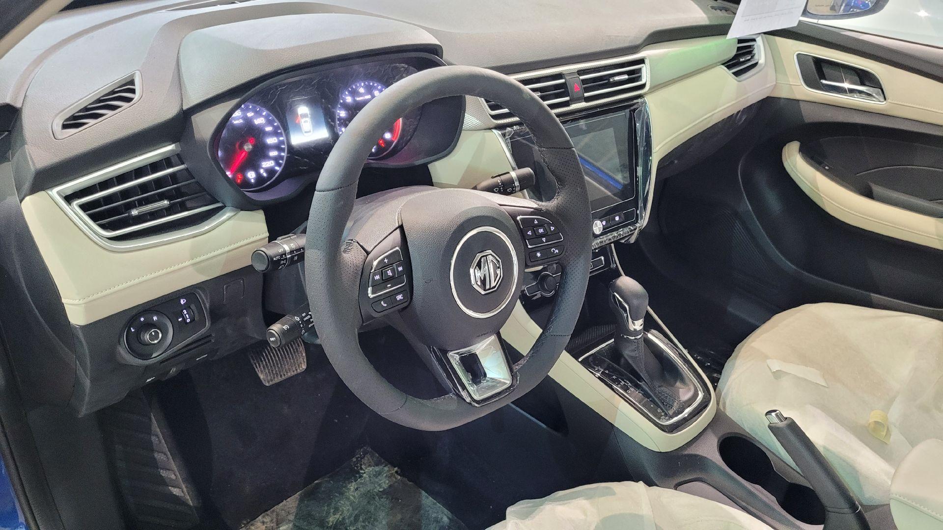 مباع - MG 5 نص فل COM سعودي 2021 جديد للبيع في الرياض - السعودية - صورة كبيرة - 14