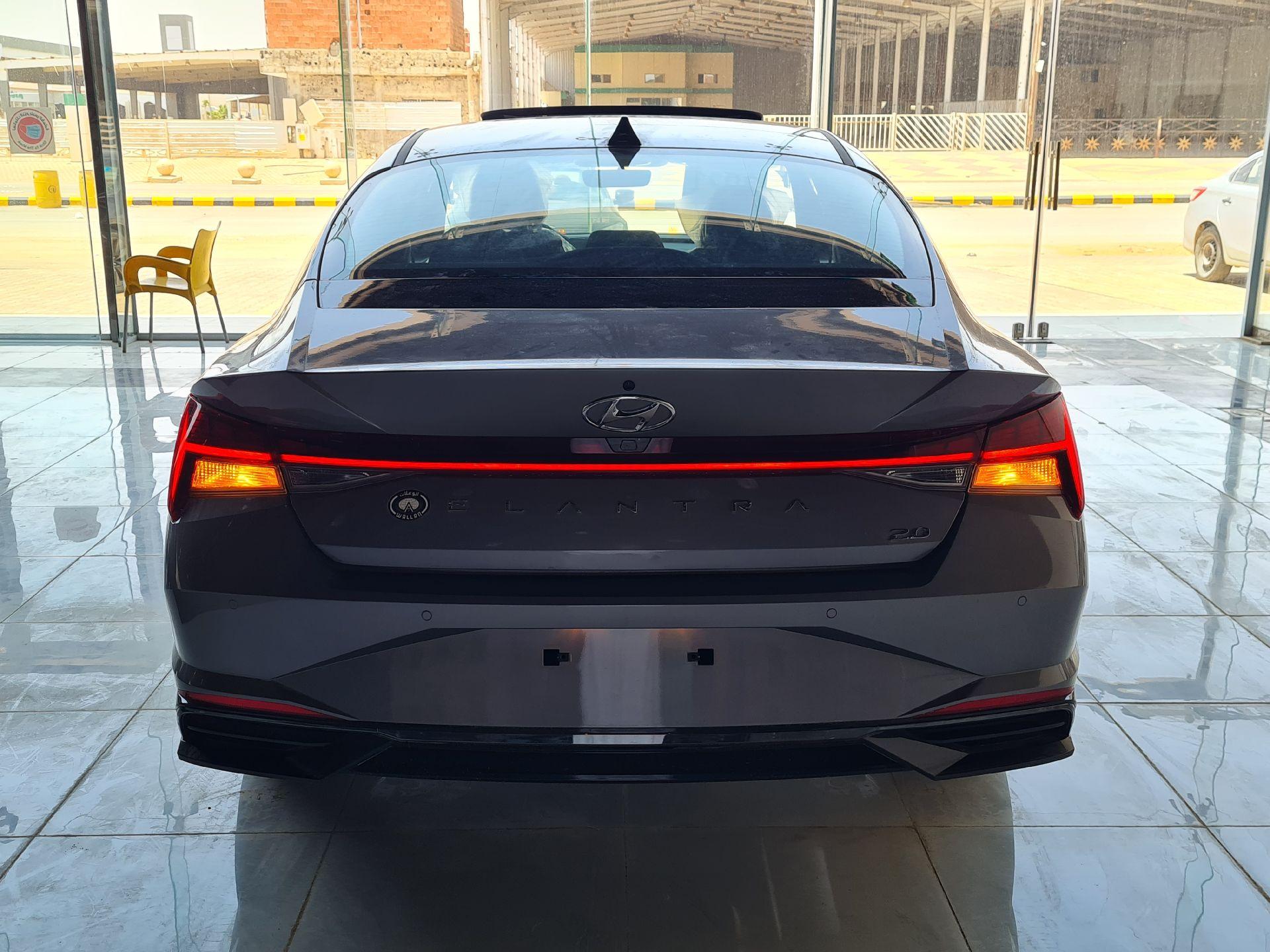 مباع - هونداي النترا Smart Plus  نص فل 2021  سعودي جديد للبيع في الرياض - السعودية - صورة كبيرة - 2