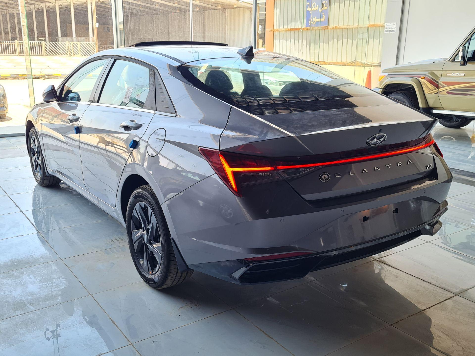 مباع - هونداي النترا Smart Plus  نص فل 2021  سعودي جديد للبيع في الرياض - السعودية - صورة كبيرة - 4