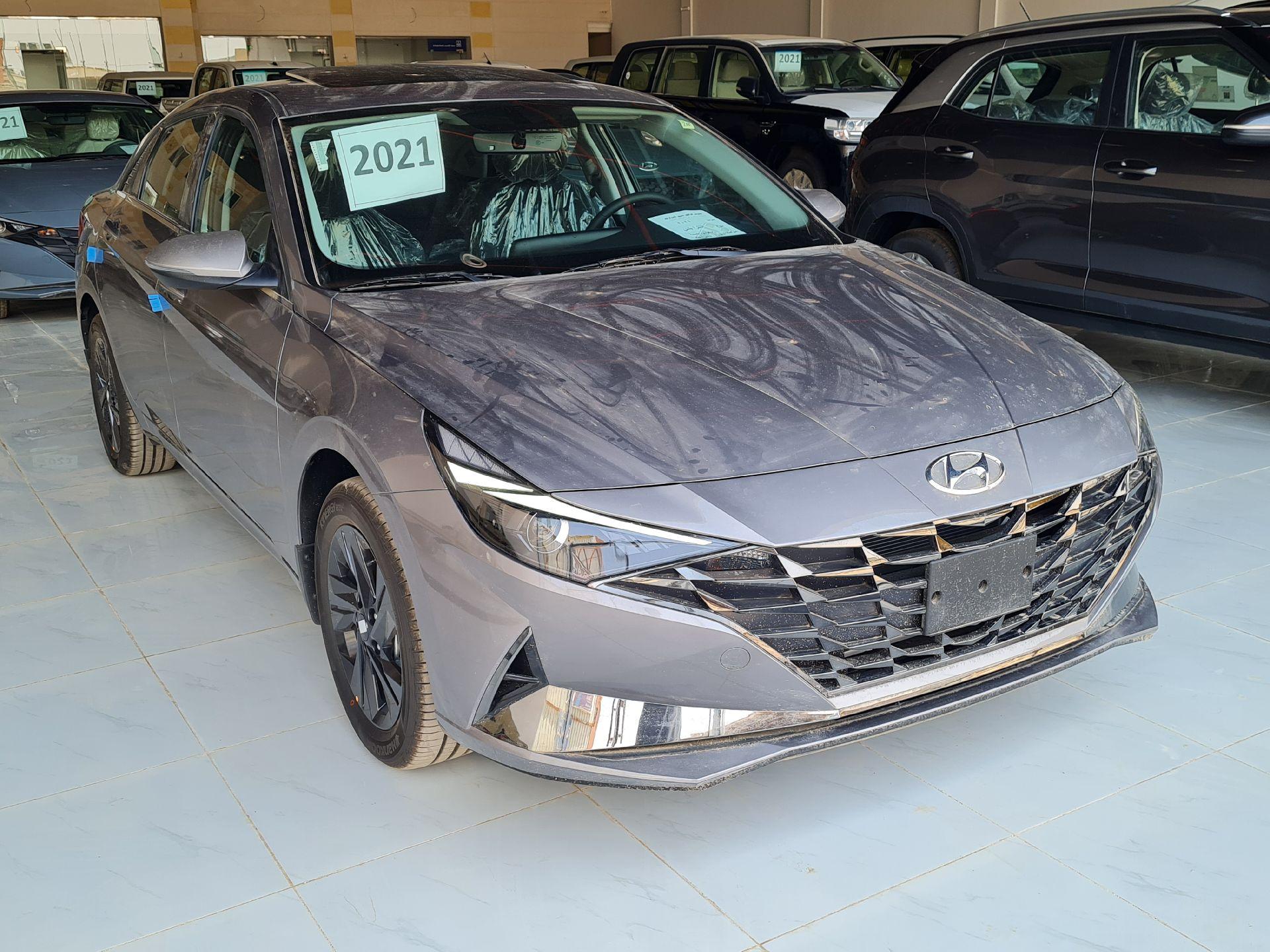 مباع - هونداي النترا Smart Plus  نص فل 2021  سعودي جديد للبيع في الرياض - السعودية - صورة كبيرة - 5