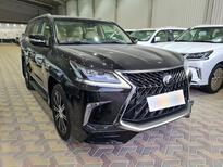 لكزس LX 570-S Sport خليجي 2020 فل للبيع في الرياض - السعودية - صورة صغيرة - 5