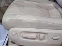 لكزس LX 570-S Sport خليجي 2020 فل للبيع في الرياض - السعودية - صورة صغيرة - 9