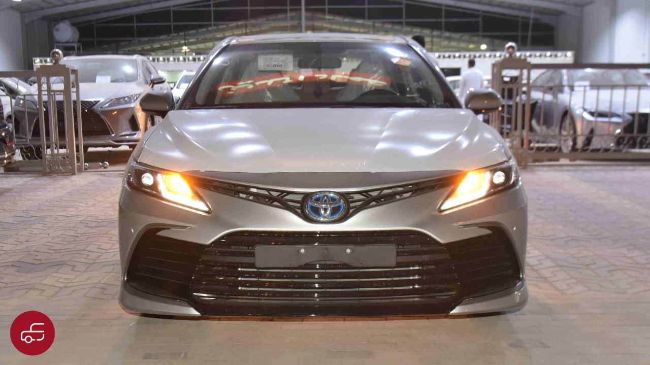 تويوتا كامري 2021 هايبرد LE استاندر سعودي جديد للبيع في الرياض - السعودية - صورة كبيرة - 2