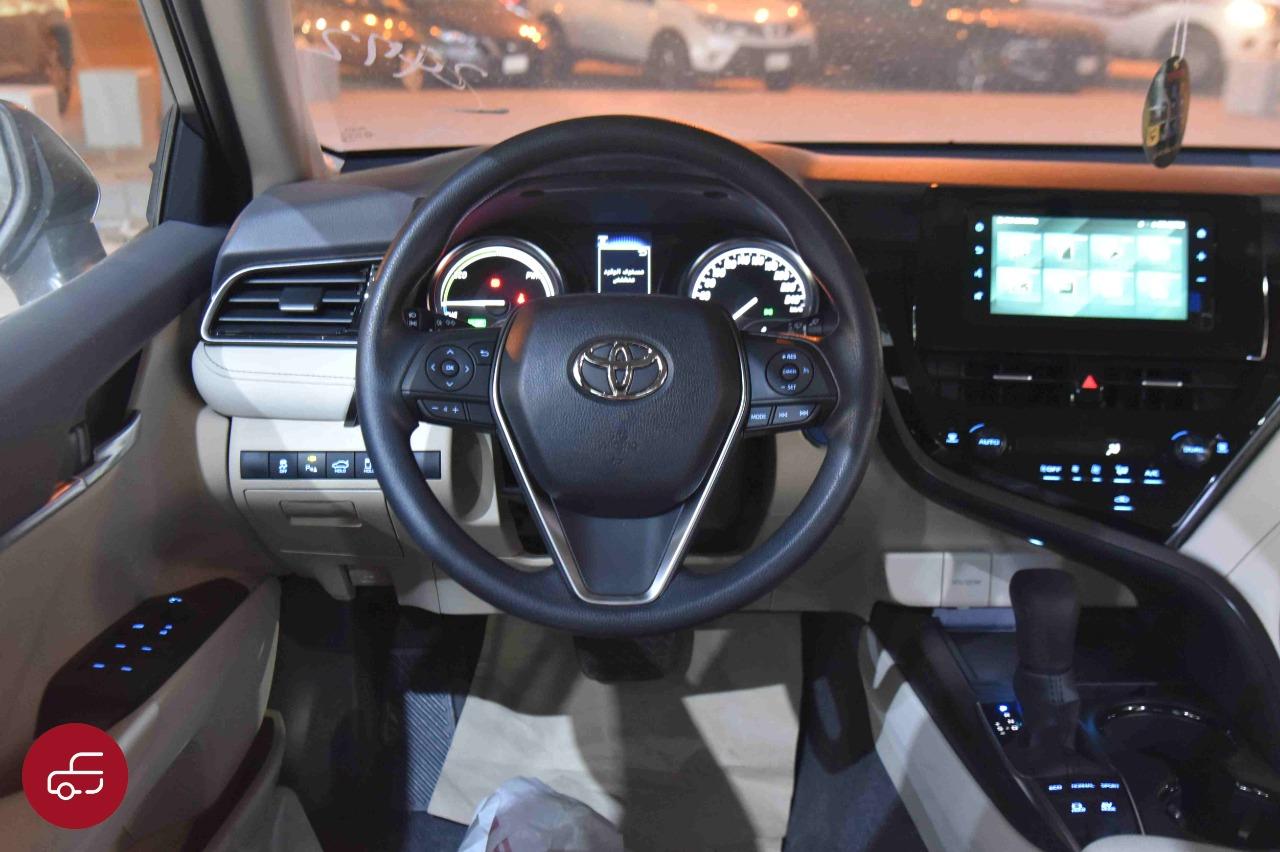 تويوتا كامري 2021 هايبرد LE استاندر سعودي جديد للبيع في الرياض - السعودية - صورة كبيرة - 12