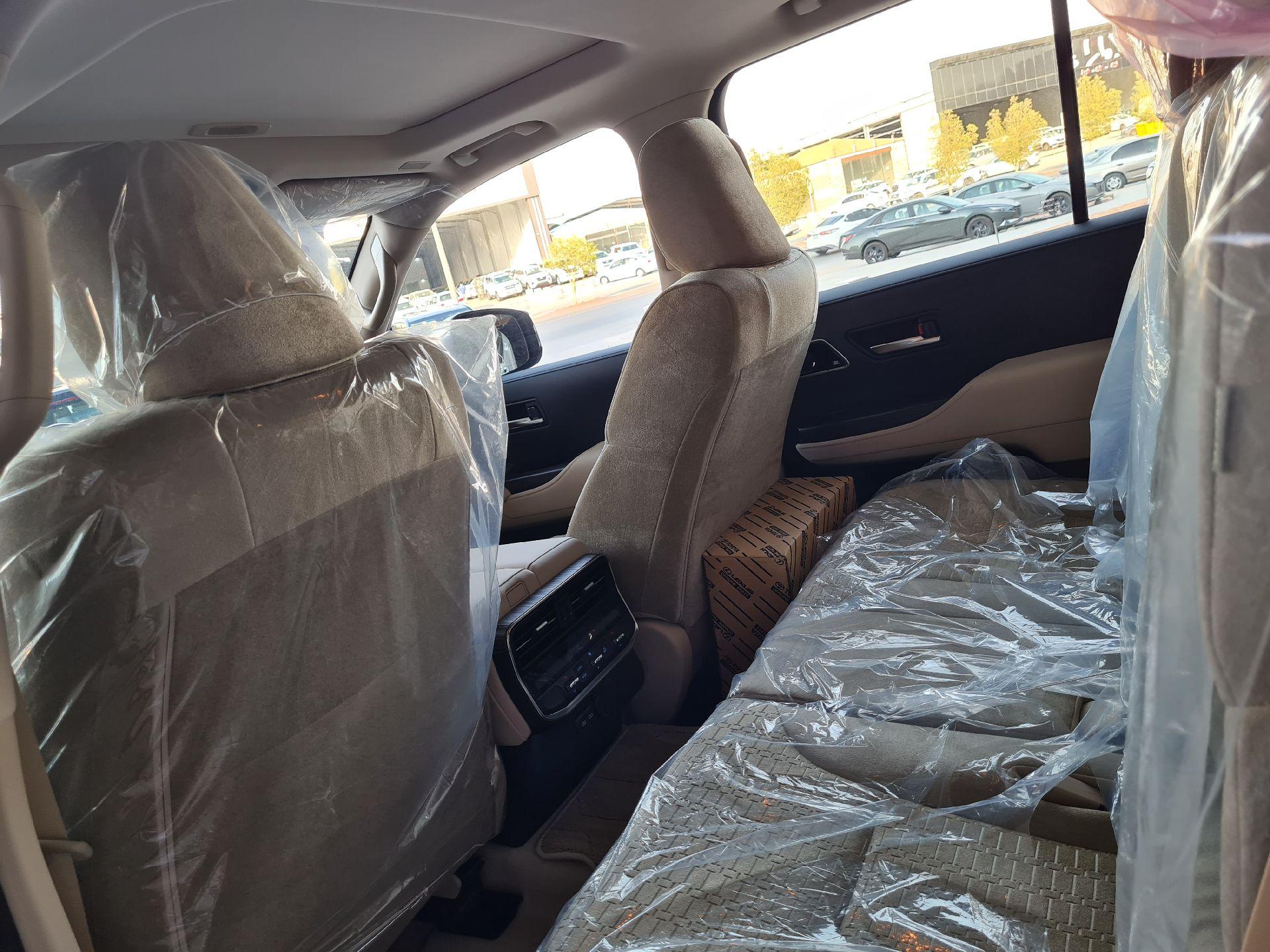تويوتا لاندكروزر VXR 2022 نص فل فطيمي للبيع في الرياض - السعودية - صورة كبيرة - 14