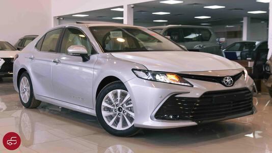 سيارة تويوتا كامري 2021 فتحة سقف  (  GLE_K  ) بنزين سعودي للبيع