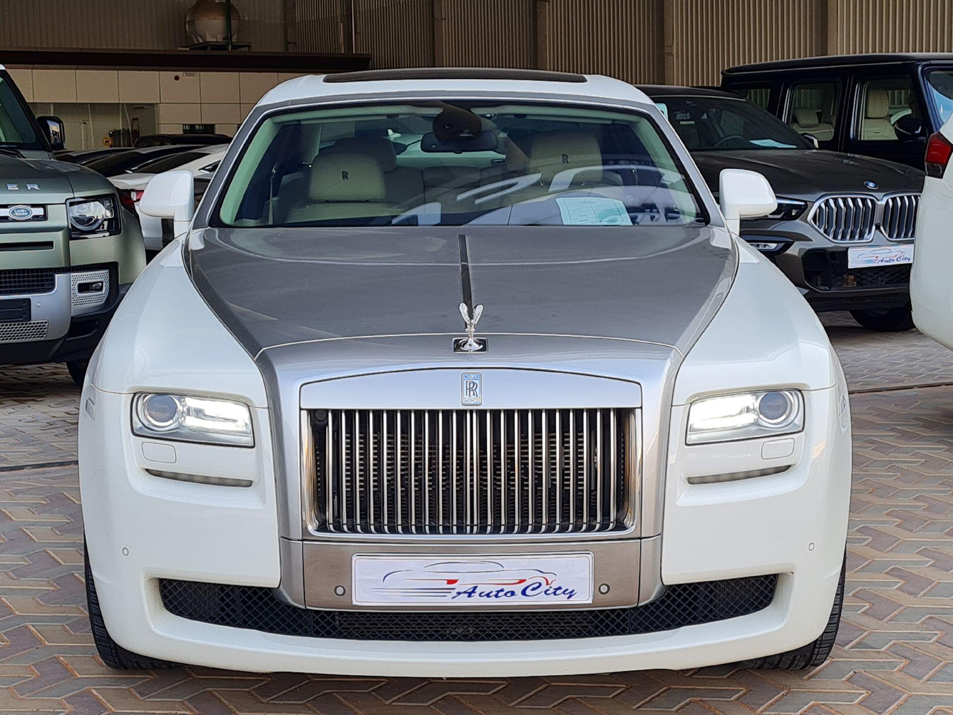 مباع - رولز رویس غوست 2013  سعودي للبيع في الرياض - السعودية - صورة كبيرة - 2