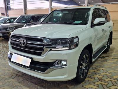 سيارة تويوتا لاندكروزر Grand Touring سعودي 2020 فل  للبيع