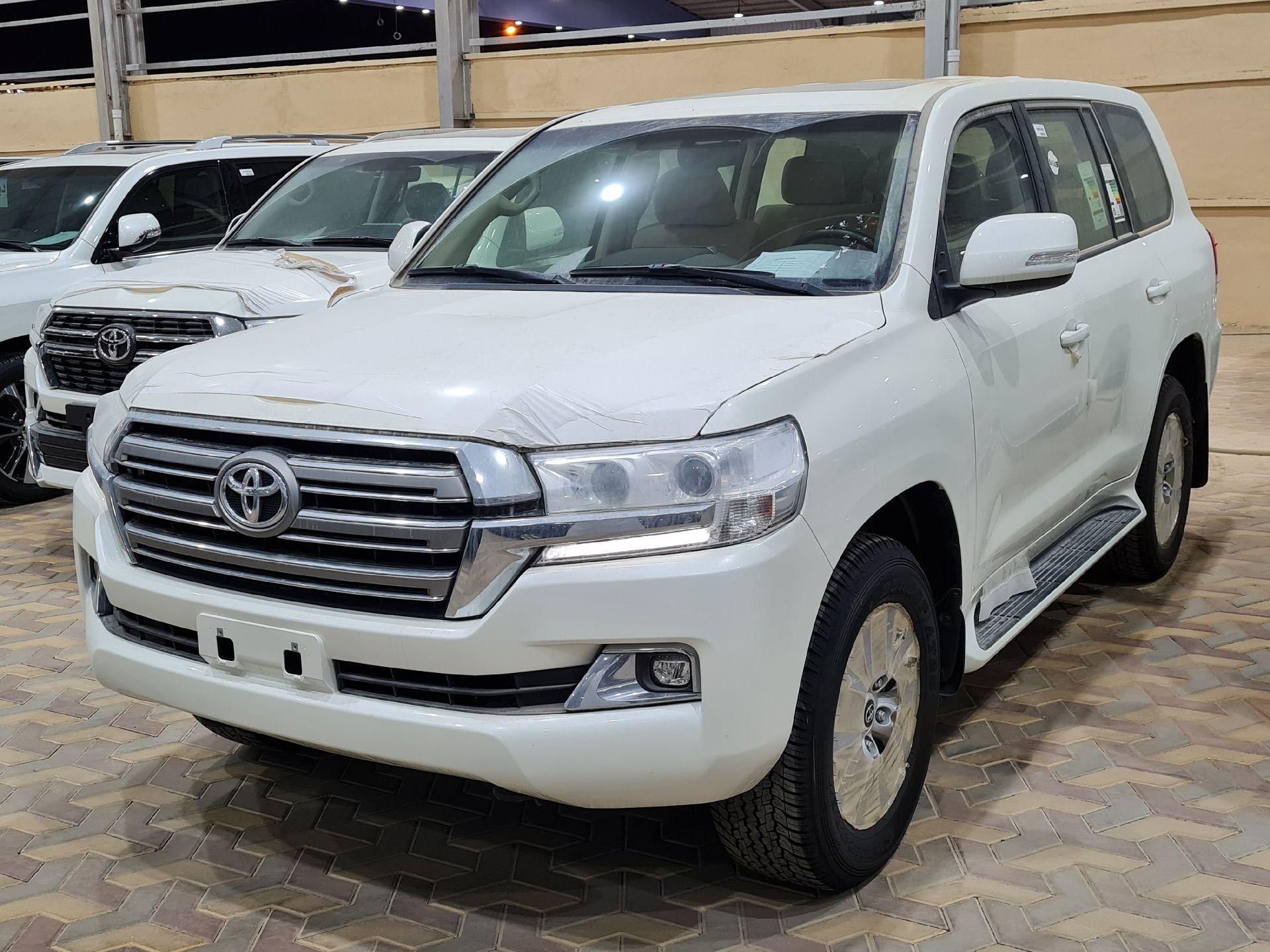 تويوتا لاندكروزر GXR2 2021 نص فل كويتي للبيع في الرياض - السعودية - صورة كبيرة - 1