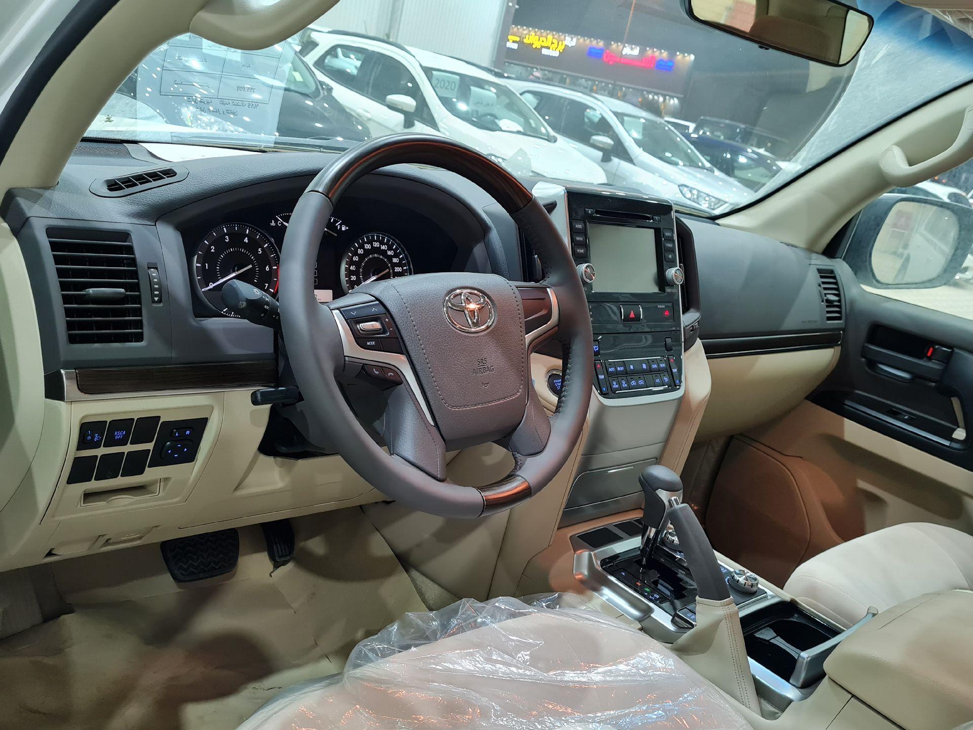 تويوتا لاندكروزر GXR2 2021 نص فل كويتي للبيع في الرياض - السعودية - صورة كبيرة - 9
