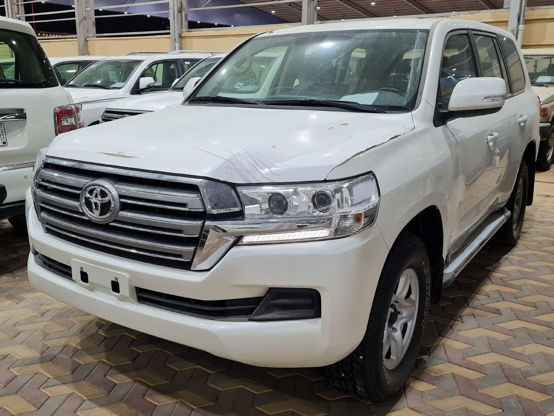 تويوتا لاندكروزر GXR1 2021 ستاندر عماني للبيع في الرياض - السعودية - صورة كبيرة - 1