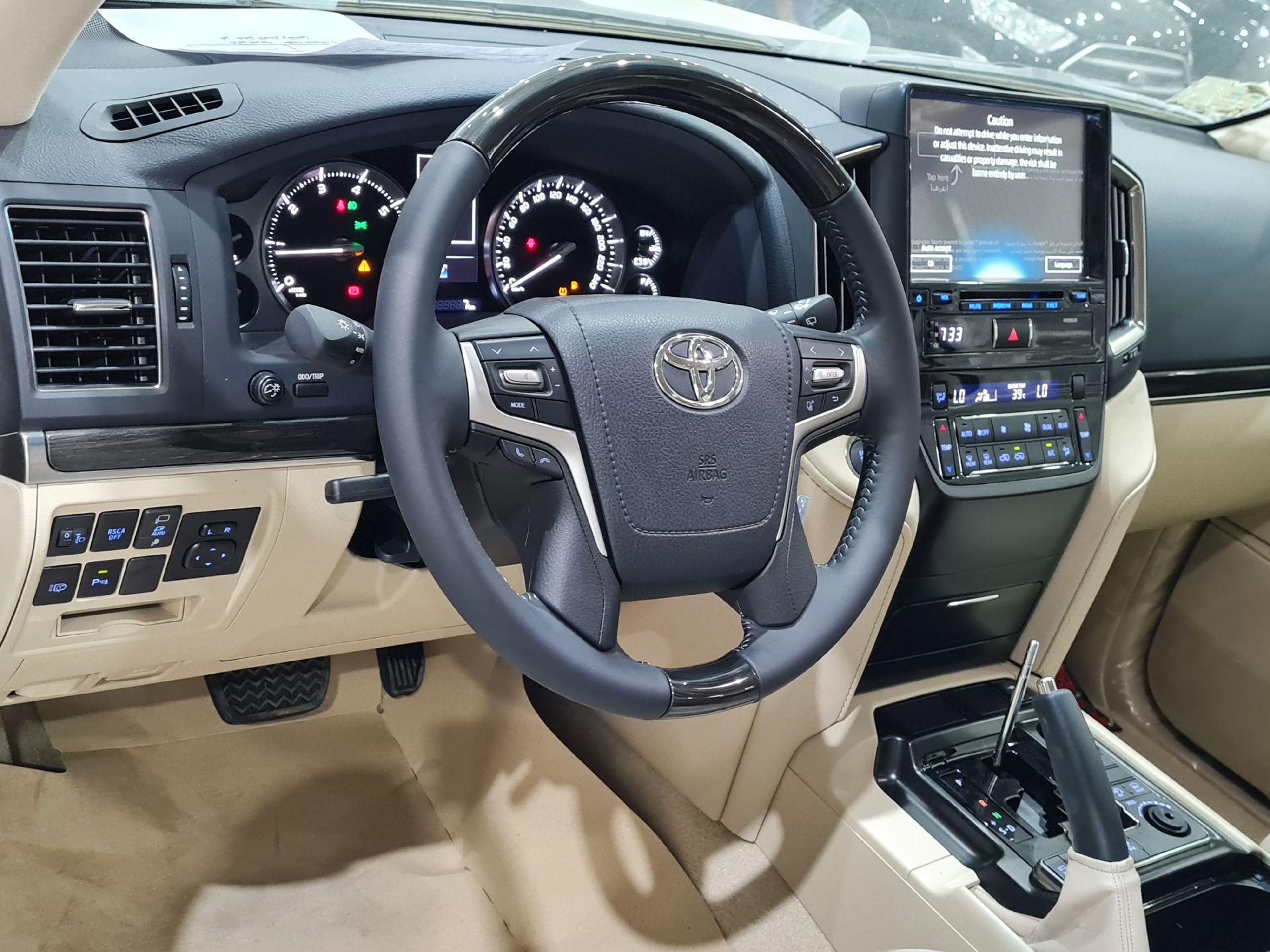 تويوتا لاندكروزر Grand Touring 2021 فل خليجي للبيع في الرياض - السعودية - صورة كبيرة - 18