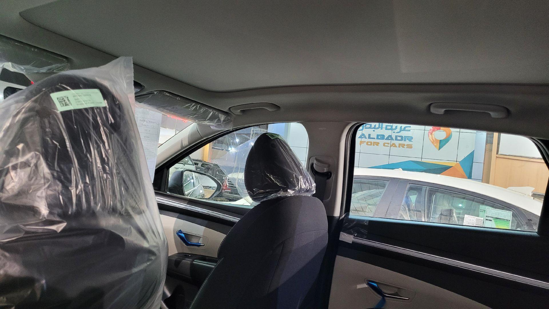 مباع - هونداي توسان Mid Comfort 2022 نص فل سعودي للبيع في الرياض - السعودية - صورة كبيرة - 14