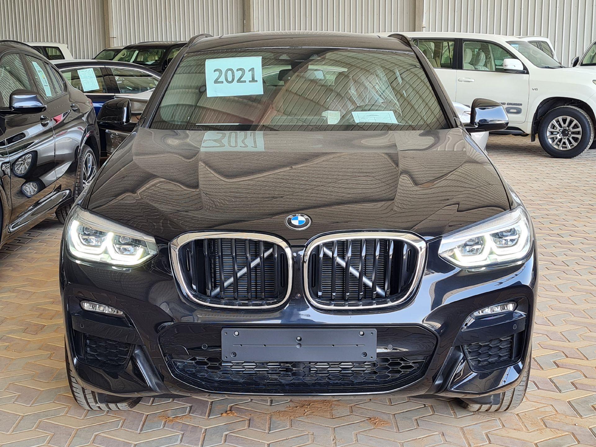 BMW الفئة X 4 xDrive 30i 2021 فل خليجي للبيع في الرياض - السعودية - صورة كبيرة - 4