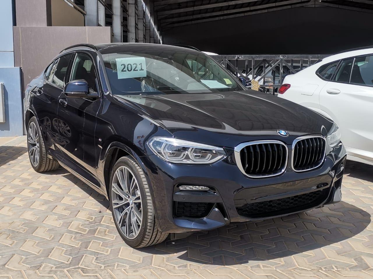 BMW الفئة X 4 xDrive 30i 2021 فل خليجي للبيع في الرياض - السعودية - صورة كبيرة - 2