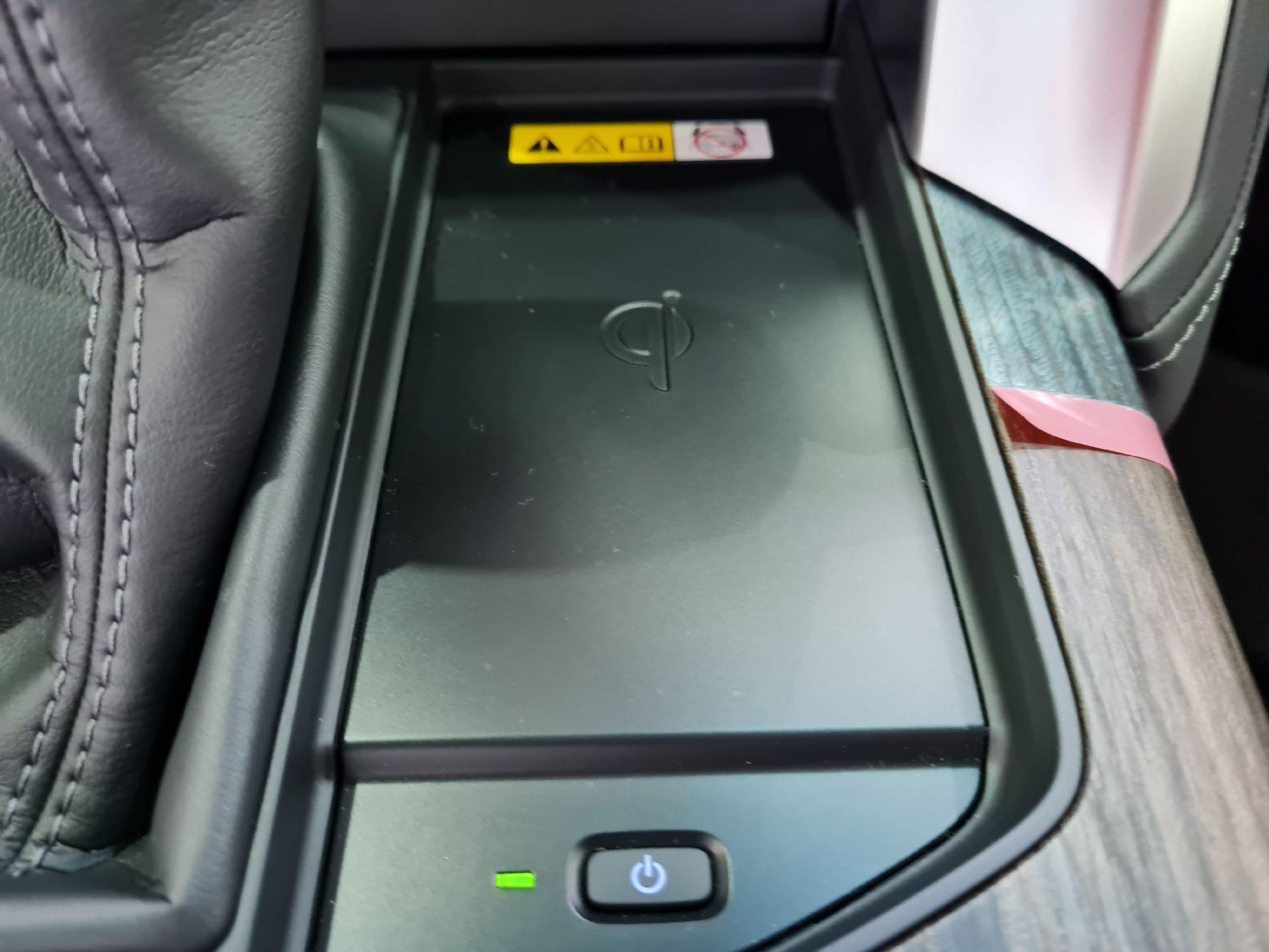 تويوتا لاندكروزر VXR 2022 فل فطيمي للبيع في الرياض - السعودية - صورة كبيرة - 9