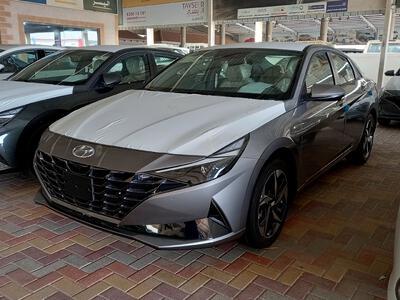 سيارة هونداي النترا MID 2022 فل سعودي للبيع