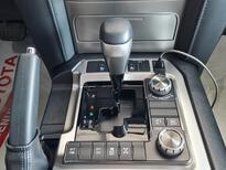 تويوتا لاندكروزر VXR 2021 فل خليجي للبيع في الرياض - السعودية - صورة صغيرة - 13