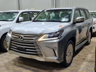 سيارة لكزس LX 570 2021 نص فل سعودي للبيع