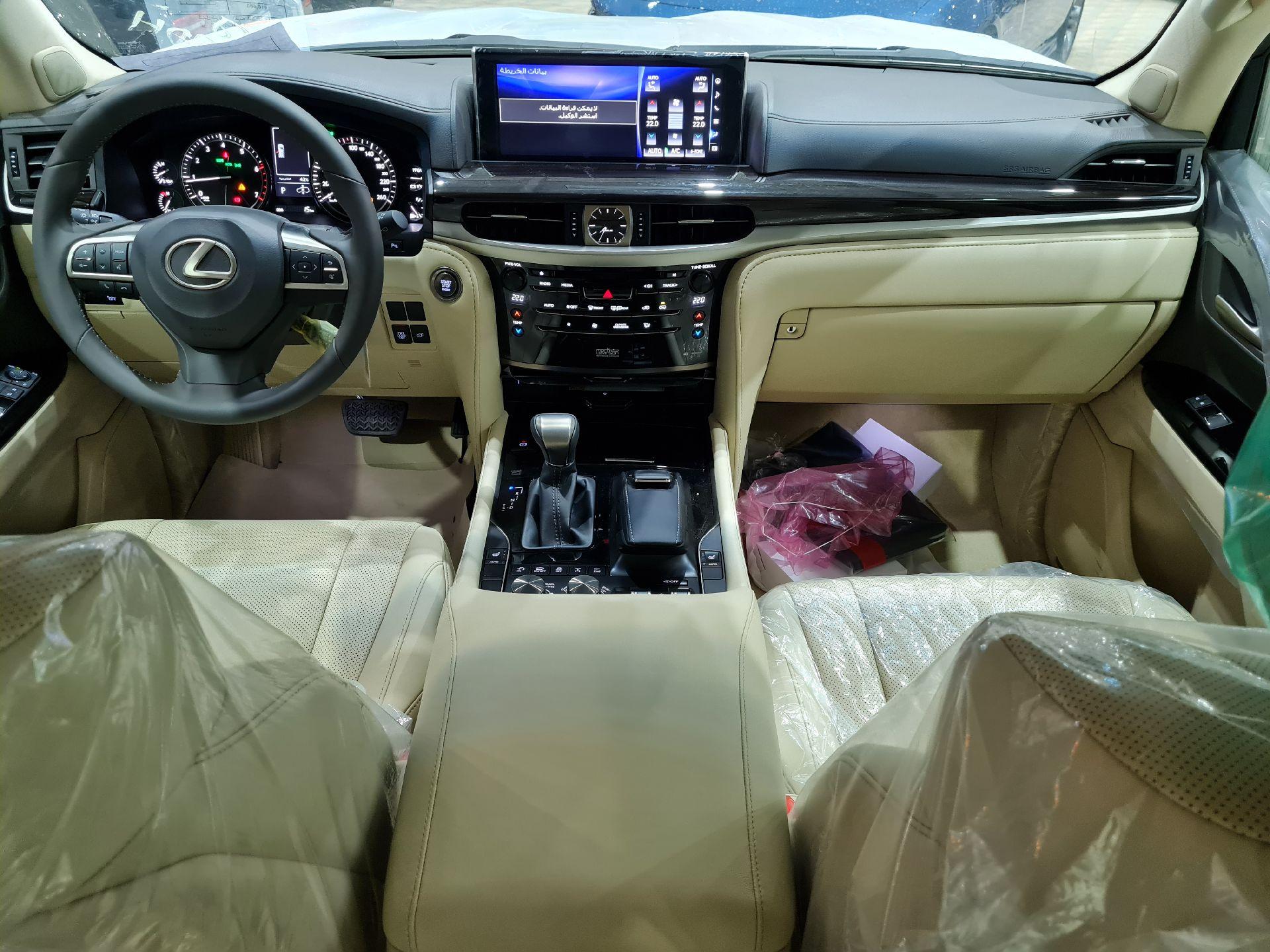 لكزس LX 570 2021 نص فل سعودي للبيع في الرياض - السعودية - صورة كبيرة - 9