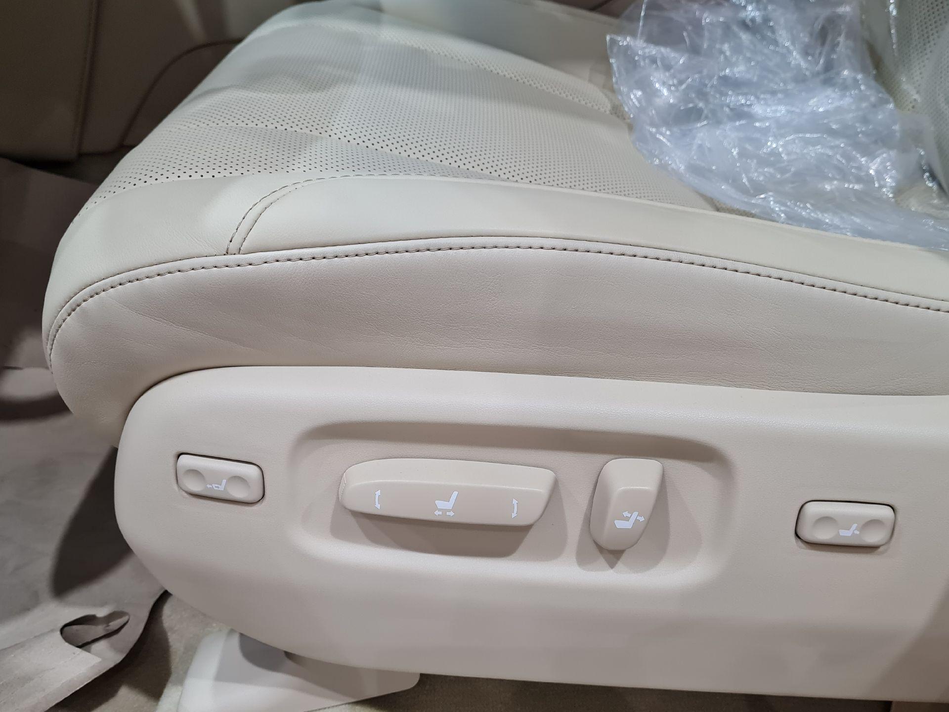 لكزس LX 570 2021 نص فل سعودي للبيع في الرياض - السعودية - صورة كبيرة - 8