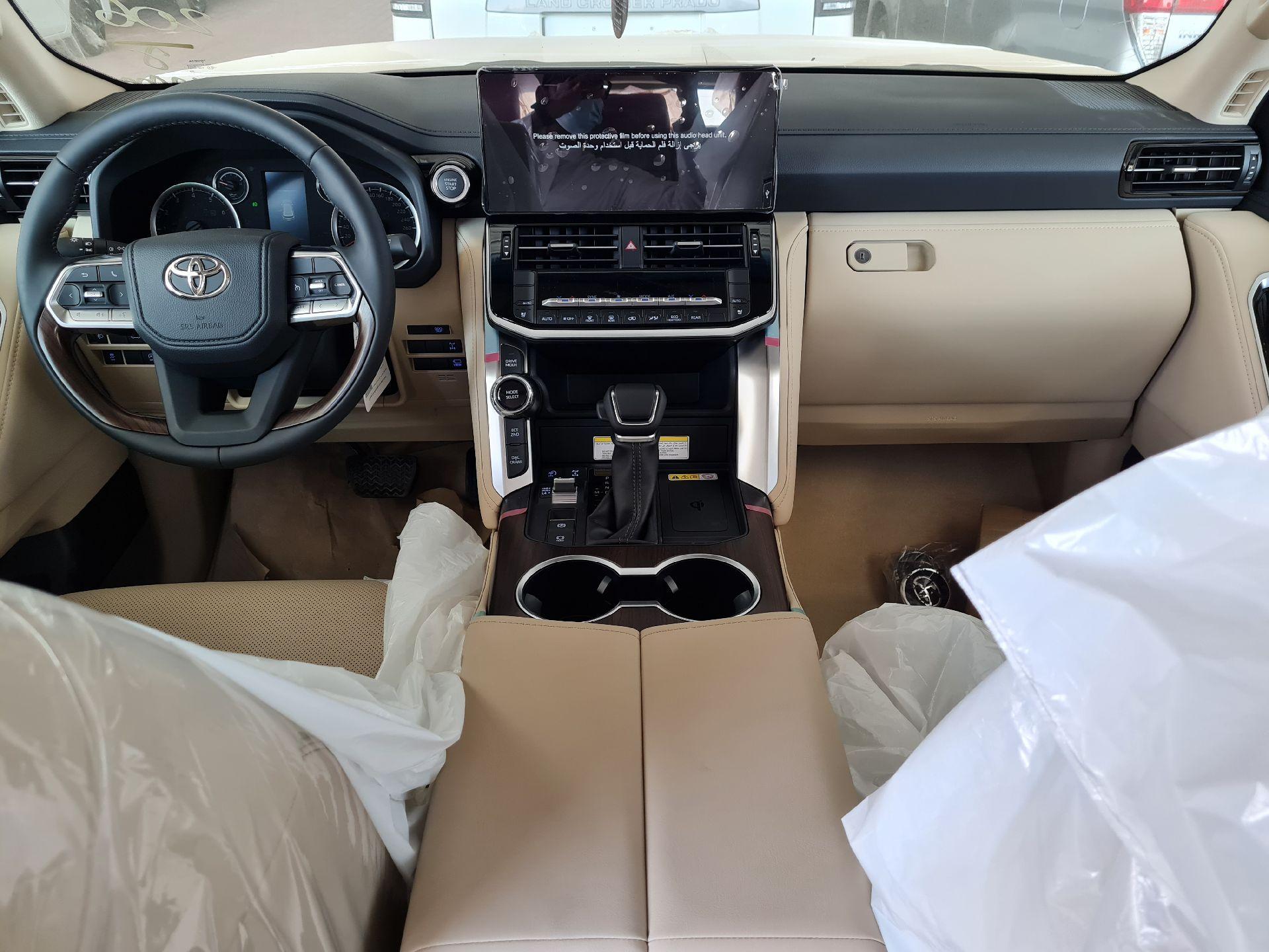 تويوتا لاندكروزر GXR-L4 2022 فل سعودي للبيع في الرياض - السعودية - صورة كبيرة - 15