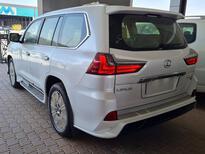 مباع - لكزس LX 570-S Sport 2021 فل سعودي للبيع في الرياض - السعودية - صورة صغيرة - 5