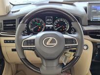مباع - لكزس LX 570-S Sport 2021 فل سعودي للبيع في الرياض - السعودية - صورة صغيرة - 15