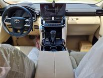 تويوتا لاندكروزر GXR-L3 2022 كشافات  سعودي للبيع في الرياض - السعودية - صورة صغيرة - 9