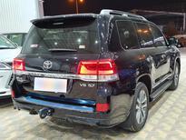 تويوتا لاندكروزر VXS 2021 فل خليجي للبيع في الرياض - السعودية - صورة صغيرة - 3