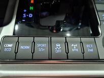 تويوتا لاندكروزر VXS 2021 فل خليجي للبيع في الرياض - السعودية - صورة صغيرة - 10