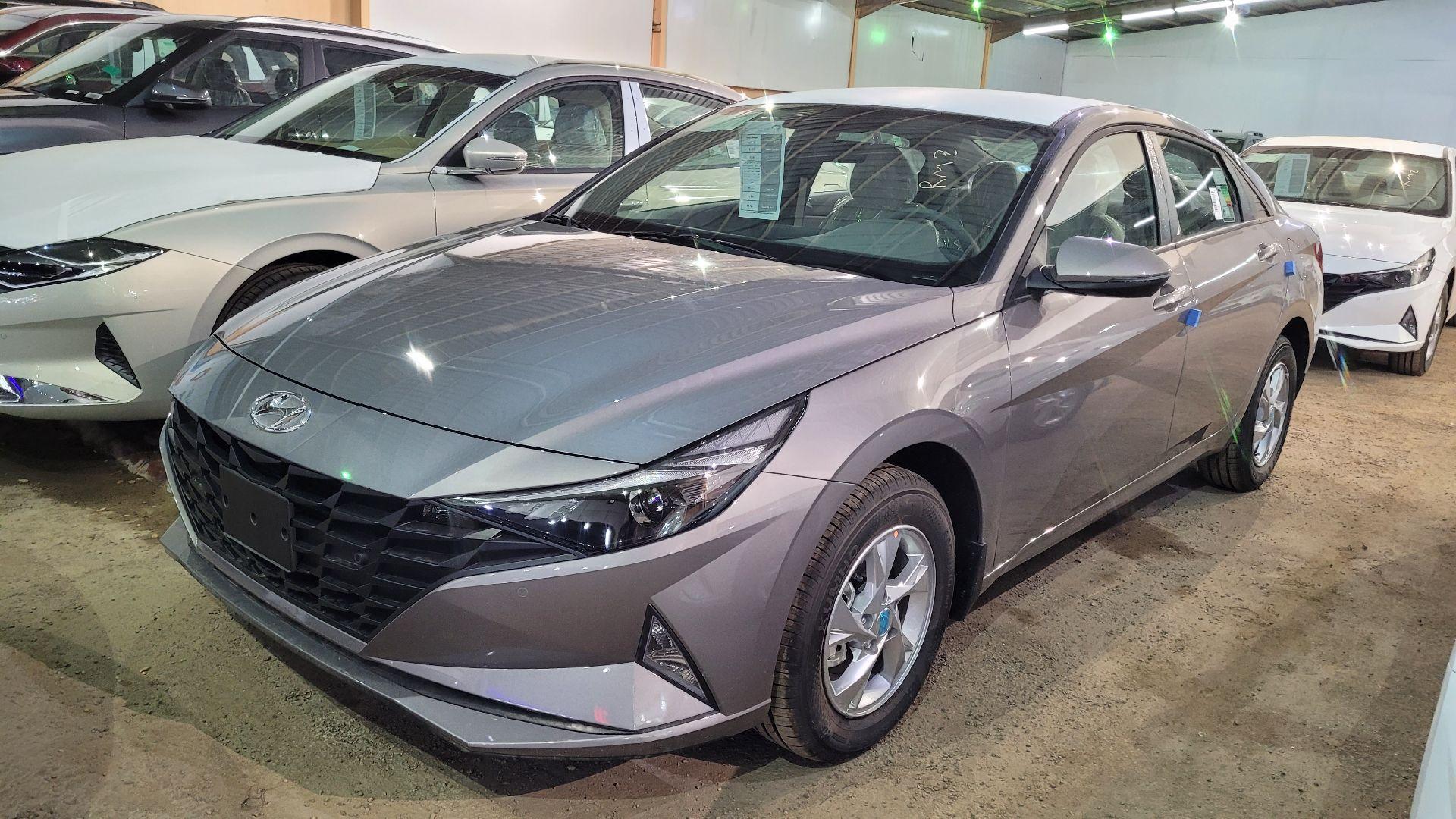 مباع - هونداي النترا GL 2022 ستاندر سعودي للبيع في الرياض - السعودية - صورة كبيرة - 2
