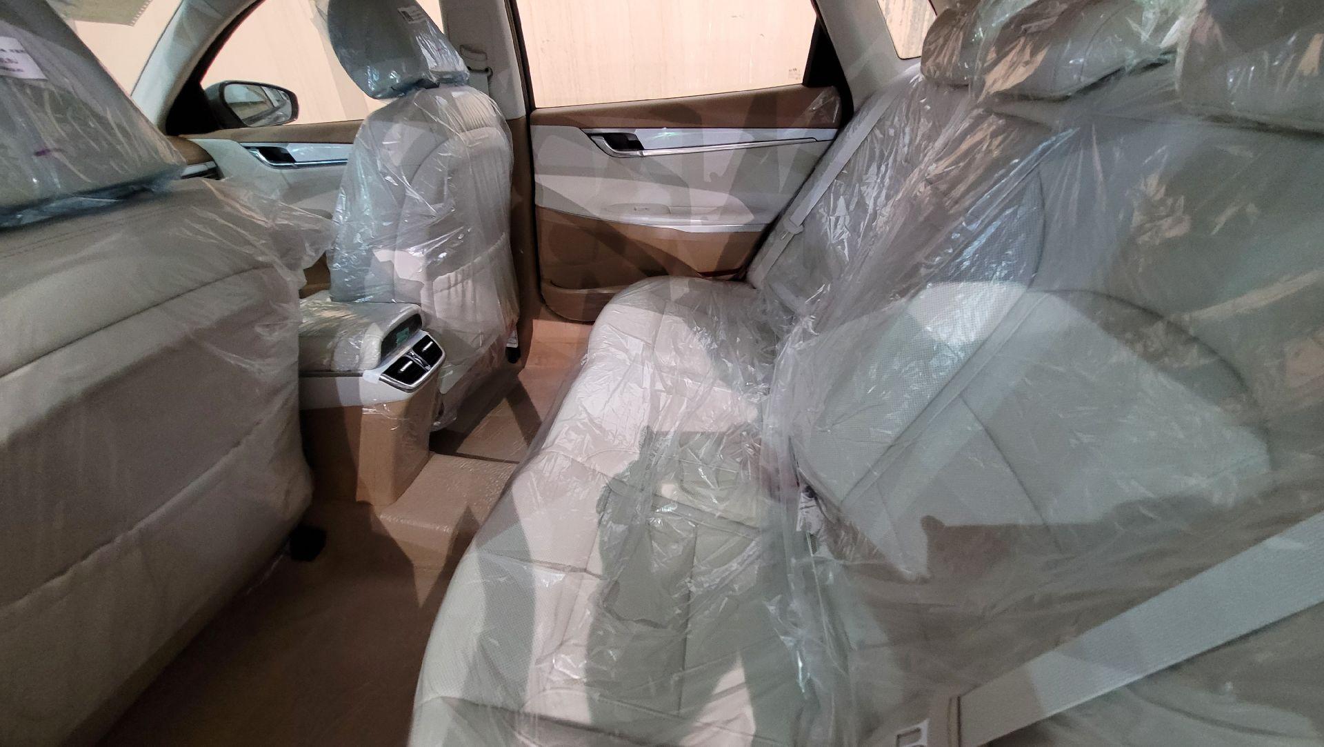 مباع - هونداي ازيرا Smart 2022 ستاندر سعودي للبيع في الرياض - السعودية - صورة كبيرة - 8