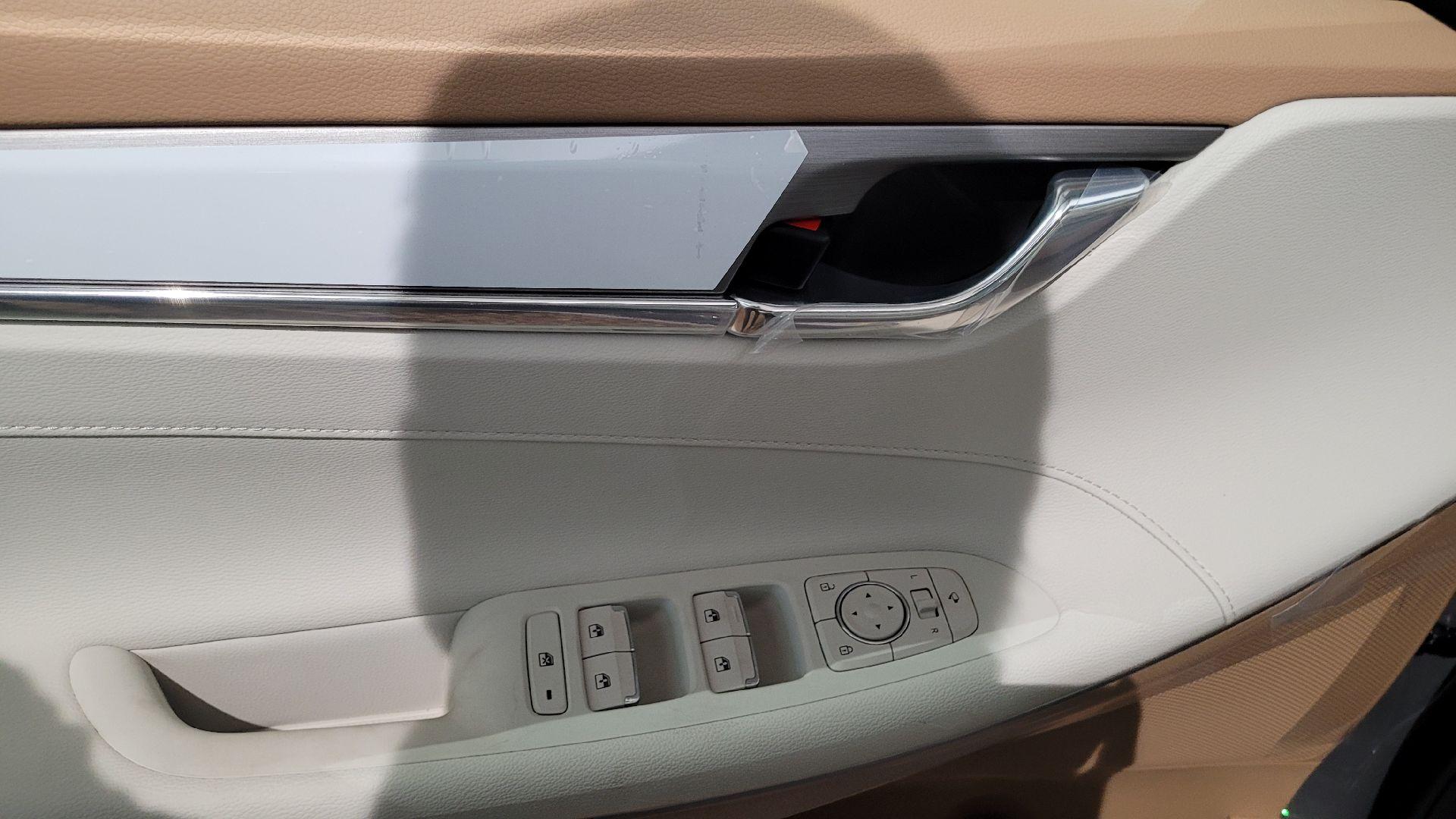 هونداي ازيرا Smart 2022 ستاندر سعودي للبيع في الرياض - السعودية - صورة كبيرة - 10