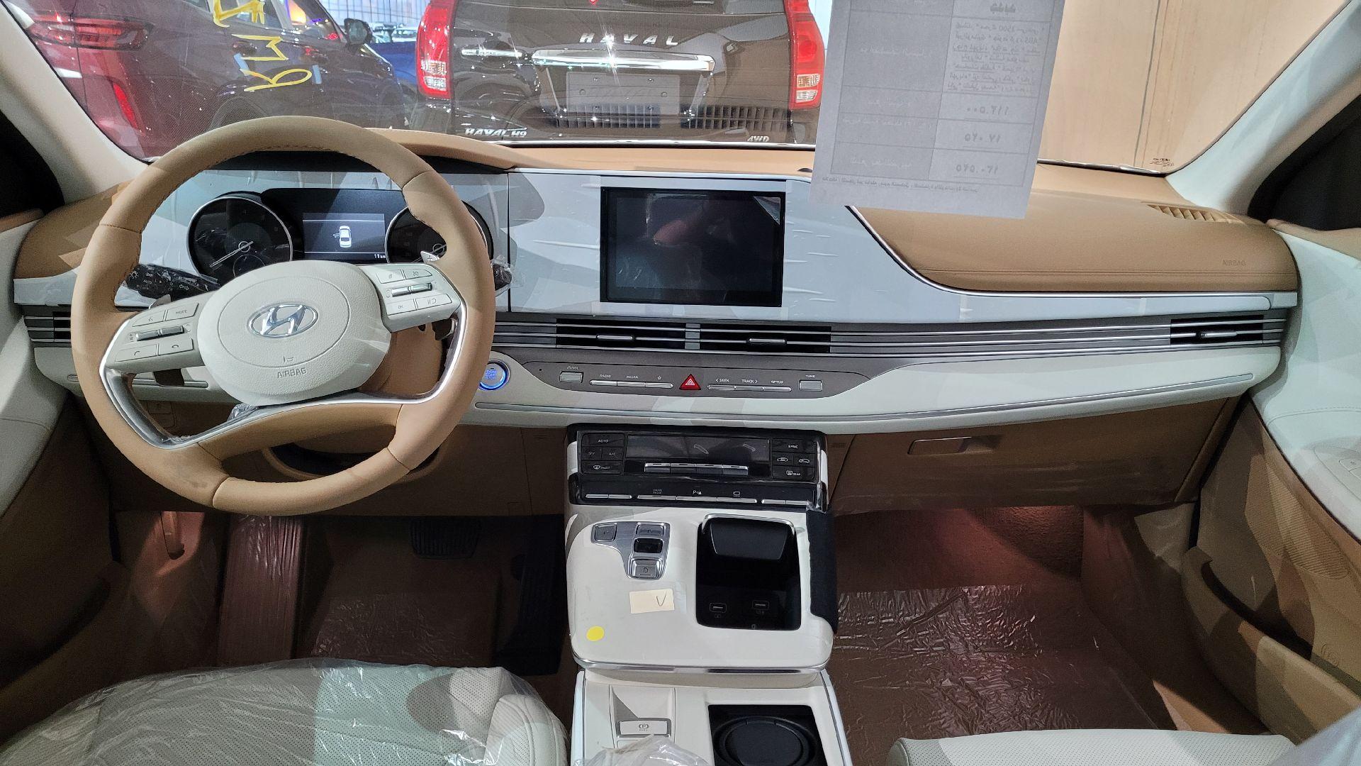 هونداي ازيرا Smart 2022 ستاندر سعودي للبيع في الرياض - السعودية - صورة كبيرة - 16