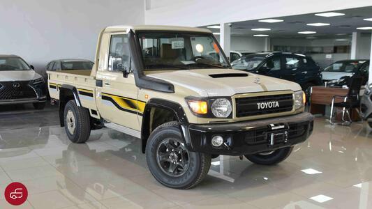 سيارة تويوتا لاند كروزر بكب شاص ال اكس 1 اصدار 70 ديزل2022 للبيع