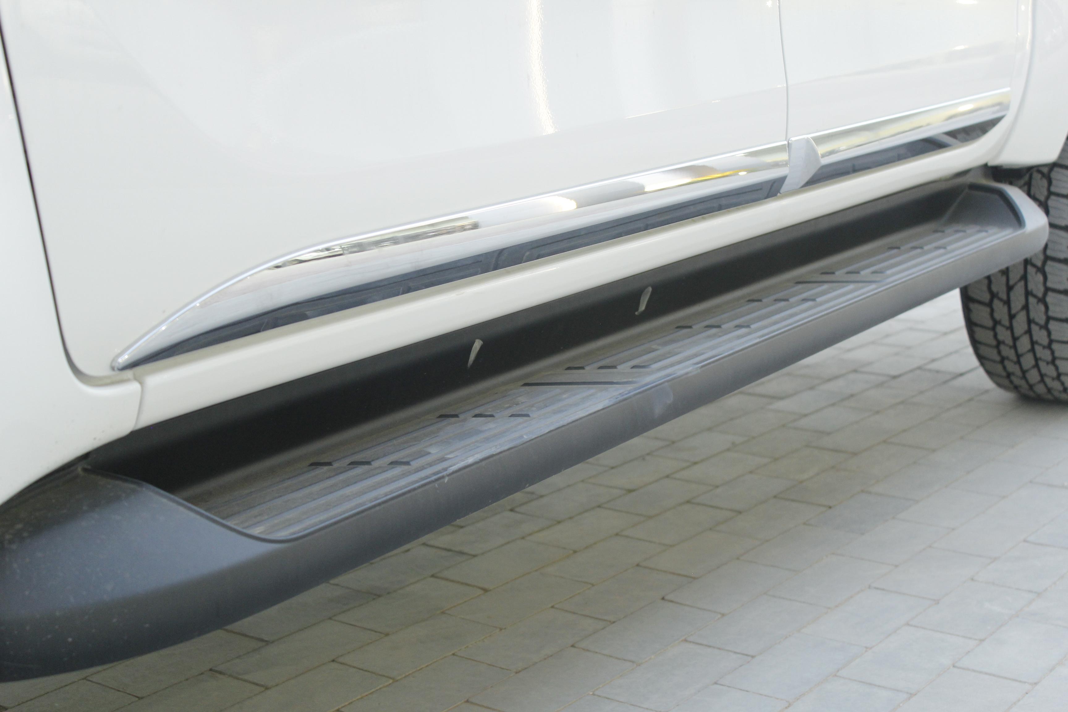 مباع - تويوتا  هايلكس  S-GLX  2021 فل كامل ديزل محرك 2800 سي سي  للبيع في الرياض - السعودية - صورة كبيرة - 11