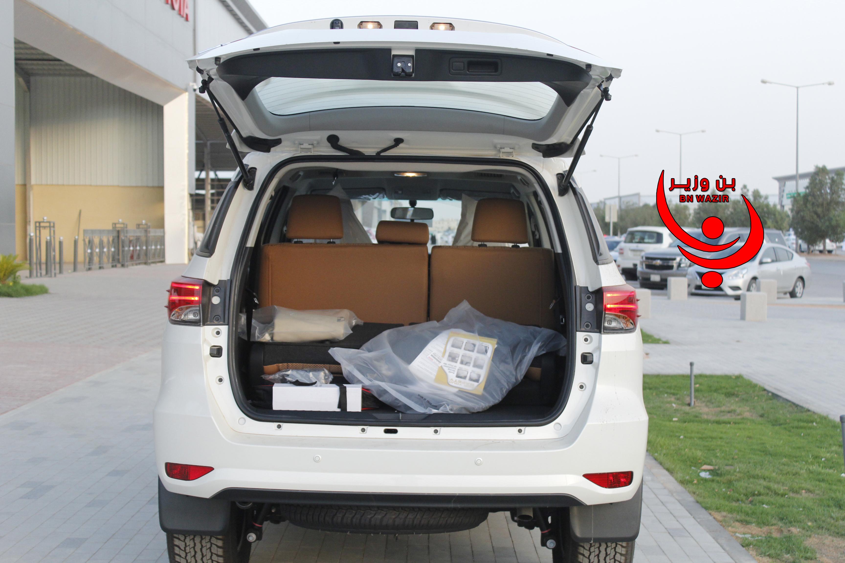 تويوتا  فورتشنر  GX2  2021 نص فل  للبيع في الرياض - السعودية - صورة كبيرة - 8