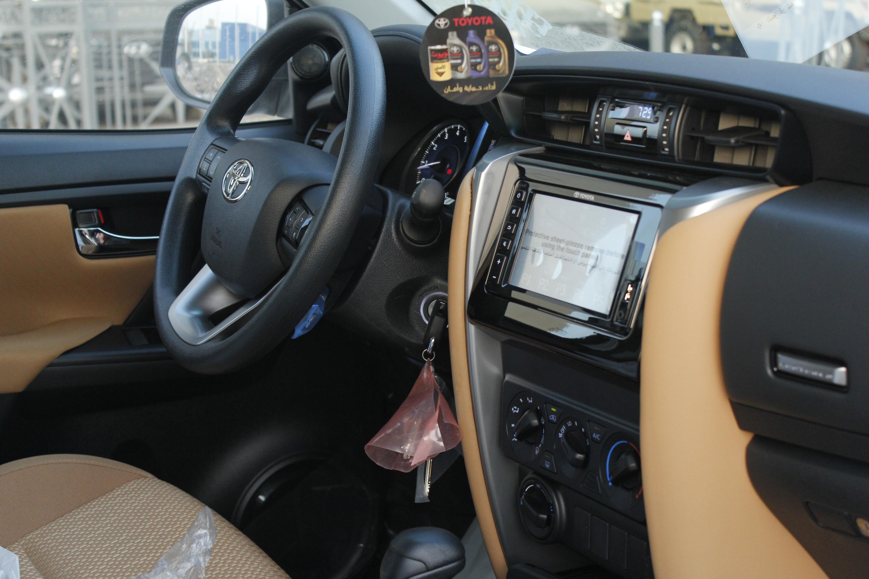 تويوتا  فورتشنر  GX2  2021 نص فل  للبيع في الرياض - السعودية - صورة كبيرة - 13