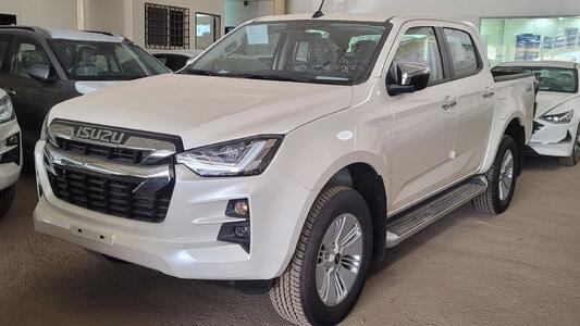 ايسوزو دي ماكس LS 2021 فل سعودي