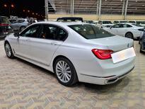 BMW الفئة السابعة 730Li 2018 فل سعودي للبيع في الرياض - السعودية - صورة صغيرة - 11