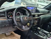 لكزس LX 570 Black Ed. 2021 فل سعودي للبيع في الرياض - السعودية - صورة صغيرة - 15